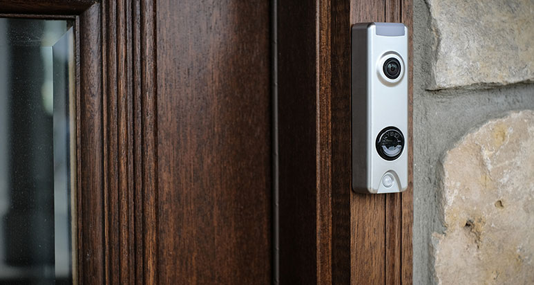 3 reasns why connected smart home cameras are better than DIY in staten island NY